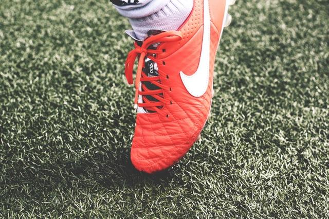 prawo piłki nożnej
